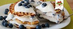 Blitzschnelle Waffeltorte mit frischen Heidelbeeren - So schnell & einfach ist eine Low Carb Torte gezaubert, ideal bei Überraschungsbesuch.