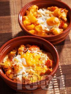 Рецепта за Картофени гювечета с червена чушка и лук - начин на приготвяне…
