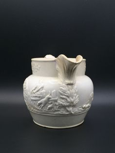 Cremeware jug by Rogers. Early 1825 moulded jug.