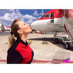 """Avianca Airlines Stewardess """"A melhor maneira de prever o futuro é criá-lo."""" Aerolinda : Kristina ✈️❤️"""