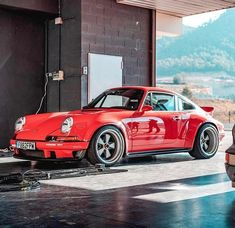 For the love of everything German and air-cooled - Porsche 911 old - Autos Porsche Panamera, Porsche Autos, Porsche Cars, Custom Porsche, Porsche Classic, Classic Cars, Singer Porsche, Singer 911, Ford Gt