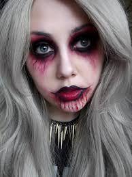 Risultati immagini per vampire face makeup