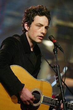 Jakob Dylan, son of Bob Dylan ~ 19 Very Hot Guys Spawned From Other Famous Guys Jakob Dylan, The Wallflowers, Kids Cuts, Z Cam, 70s Music, Famous Men, Famous Faces, Famous People, Gretsch
