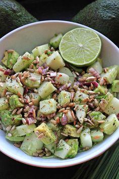 Keto Recipes, Healthy Recipes, Tomato Basil, Mozzarella Pearls, Keto Snacks, Cherry Tomatoes, Pesto, Potato Salad, Avocado