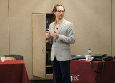 El Dr. Rodrigo Canales compartiendo conocimiento en #CampusDinamarca #gentedenegocios #soyebc