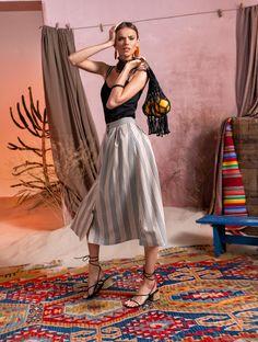 Вдохновением для новой летней коллекции от Alena Goretskaya стала Африка. Это яркая цветовая палитра, смешение стилей, анималистические и этнические принты, натуральные материалы, фурнитура и, конечно же, авторские аксессуары, которые дополнили и завершили образы, ярко отражающие стиль коллекции.  #alenagoretskaya #аленагорецкая #лето2020 #летнийобразженский #летнийобраз #тренды2020 #мода2020 #летнийобразнаработу #весна2020 #африка #образналето #платье #аксессуары2020 #аксессуары #юбка #топ