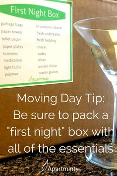 "Moving Into Your First Apartment What you want to pack in your ""first night"" box of essentials Apartment Checklist, Apartment Hacks, Apartment Goals, First Apartment Essentials, Bathroom Essentials, Apartment Needs, My First Apartment, Apartment Living, Moving Day"
