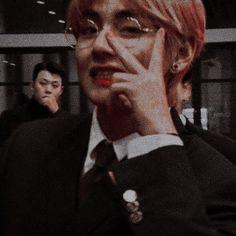 aesthetic kpop idol bts bangtansonyeondan 방탄소년단 taehyung tae v pastel Foto Bts, Bts Photo, Namjoon, Kim Taehyung, Daegu, Bts Boys, Bts Bangtan Boy, Jung Hoseok, Taekook