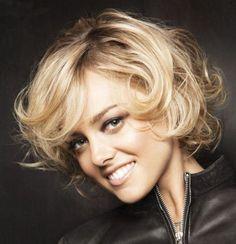 fryzura włosy półdługie kręcone - Szukaj w Google
