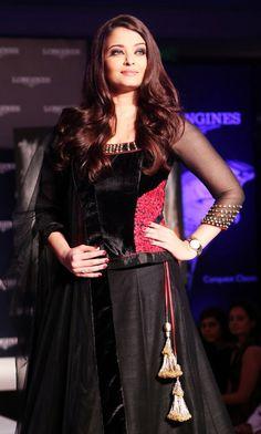 Aishwarya Rai (43)