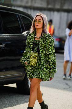 New York Fashion Week Street Style, Spring Street Style, Cool Street Fashion, Street Style Looks, Trendy Fashion, Fashion Models, Spring Fashion, High Fashion, Fashion Outfits