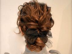 ストレートヘアは波ウェーブでふんわり可愛い印象に♪