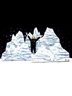 Snow Mountain, Mountain Range, Frozen Kids, Play Frozen, Frozen Musical, Fair Theme, Christmas Party Themes, Christmas Ideas, Snow Party