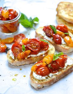 An Italian favourite -Quick and easy candied tomato bruschetta with creamy ricotta and goat's cheese - simply the best canapés for summer your drinks party!