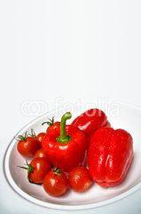 Gemüseteller in Rot