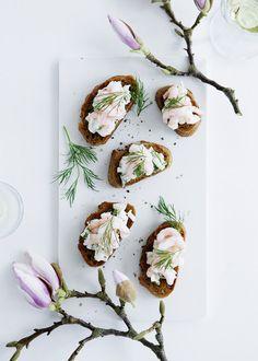 Amuse-bouches | Toasts aux crevettes à la crème d'aneth et au fenouil