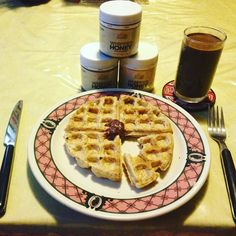 What's for breakfast?! ---- Double tap for delicious healthy  recipes! For a feature on our page follow and tag us!! (#suzu_fit) Go follow us now - @suzu_fit and tag us or comment.  Tag 5 friends who love free recipes! ------ Whole grain & almond flour waffle vegan chocolate shakeology and a dollop of blueberry honey! by suzu_fit