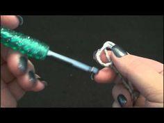Haken voor linkshandigen: video hoe je een crochet werkje opstart: de opzetlus