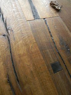 """Maxilistoni prefiniti - MAXILISTONE prefinito KAHRS DA CAPO COLLECTION modello """"SPARUTO"""" in rovere antico lavorato interamente a mano, spazzolato,raschiato a mano,piallato, con inserti quadri,  bisellato, olio naturale ***300 EURO di prodotti in omaggio*** - DA Capo Collection- parquet in quercia antica interamente realizzati a mano da mastri artigiani. I parquet Kährs sono prodotti naturali di altissima qualità. I pavimenti in legno durano per generazioni e questo è solo uno dei tanti…"""