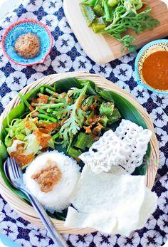 Indonesian Food. Pecel (Petjel). Vegetable Salad with Spicy Peanut Sauce.