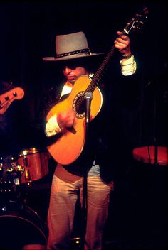 Bob Dylan - The Rolling Thunder Revue - The Troubadour LA - 1976