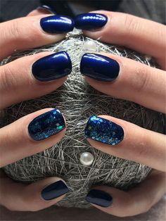 40 Trendy 2019 Dark Blue Nail Art Designs - nails - Best Nail World Dark Blue Nails, Green Nails, Blue Nail Designs, Pretty Nail Designs, Short Gel Nails, Nagellack Trends, Nagel Gel, Nail Trends, Winter Nails