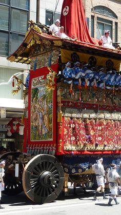"Gion Festival in Kyoto, Japan 鶏鉾の後ろ姿 Niwatori_hoko""-""."