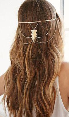 Triangle Pendant Headband from Forever 21 - beautiful gold headband, boho style Head Accessories, Women Accessories, Moda Mania, Head Jewelry, Jewelry Tree, Wire Jewelry, Jewellery, Handmade Jewelry, Chain Headband