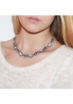 Jasmine Blossom Statement Necklace #fashion #style #statementnecklace #clear #necklace - 22,90 € @happinessboutique.com