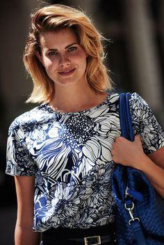 Sari, Fashion, Kiosk, Saree, Moda, Fashion Styles, Fashion Illustrations, Fashion Models, Sari Dress