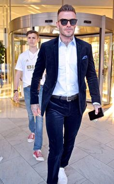 David Beckham Son, David Beckham Football, David Beckham Haircut, David Beckham Style, Beckham Suit, Mens Tailored Suits, Cocktail Outfit, Mens Fashion Suits, Stylish Men