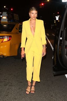 Sofia Richie, Nicole Richie, Plaid Mini Skirt, Mini Skirts, Fashion Books, Fashion Outfits, Celebs, Celebrities, Night Outfits