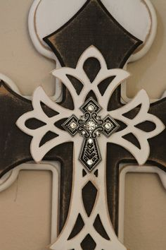 ✜ Vintage Black & White Layered Cross