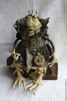 Купить Царыца жаба текстильная - Хаберская, хаберская татьяна, ручная работа, авторская кукла, жаба
