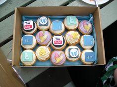 social media and cupcakes: per vivere sempre più dolcemente tutti i momenti social e sentirsi sempre più #SocialCosi!
