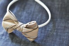 brown bobbin: DIY: old tie into 2 new bows