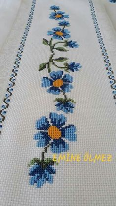 Cross Stitch Bird, Cross Stitch Borders, Cross Stitch Designs, Embroidery, Rose, Creative, Face Towel, Herb, Embroidered Towels