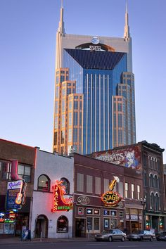 "Broadway, Nashville - the building in the back is known as the 'Batman Building""."
