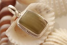 GREEN ONYX JASPER FOR DAILY WEAR 925 STERLING SILVER FASHION OVERLAY PENDANT 980 #925silverpalace #Pendant