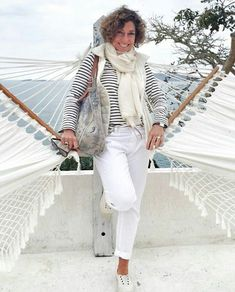 Mature Fashion, Fashion For Women Over 40, Fashion Over 50, All About Fashion, Look Fashion, Timeless Fashion, Autumn Fashion, Fashion Outfits, Womens Fashion