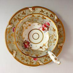 英国名窯 ダヴェンポート 『華の芸術』1830-40年のカップ&ソーサーです。 ⇩ http://eikokuantiques.com/?pid=89382899 #英国アンティークス #アンティーク #ダヴェンポート #カップ