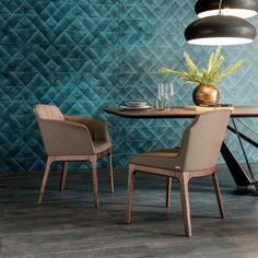 Chaise contemporaine / avec accoudoirs / en cuir MUSA cattelan italia