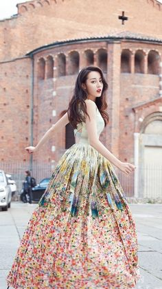DILRABA DILMURAT. Teen Celebrities, Celebs, Girl Fashion, Fashion Dresses, Ulzzang Korean Girl, Chinese Actress, Everyday Dresses, Golden Girls, Beautiful Asian Women