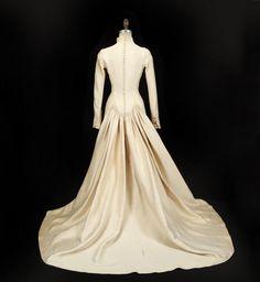 julie andrews wedding dress sound of music | JULIE ANDREWS THE SOUND OF MUSIC WEDDING GOWN - Price Estimate: $30000 ...