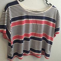 Crop top Cute striped crop top and goes cute with anything Forever 21 Tops Crop Tops