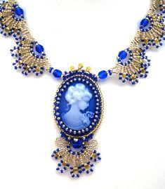 """*Sehr elegante, romantische Gemme """"EKATERINA"""" Blau-Gold - Farbe, in der Embroidery- und St. Petersburg Stich und Saraguru-Technik mit verschiedenen..."""