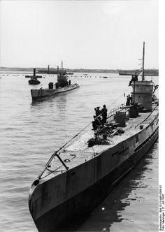 Montage Modèle Vaisseau Navire de Guerre Militaire Allemand U-107 Navire de