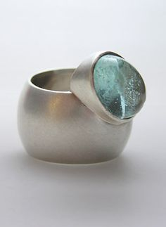 Doro Eicker, Germany, Ring: Aquaring, silver, aquamarin