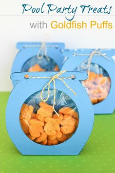 Pool Party Treats with Goldfish Puffs Visit for more info on our pool cooling systems Pool Party Treats, Pool Party Favors, Pool Snacks, Shower Favors, Shower Invitations, Goldfish Party, Goldfish Crackers, Boite A Lunch, Under The Sea Party