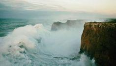 O poder das ondas em Sagres... Vale a pena ver até ao fim...